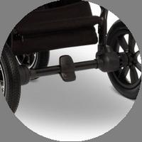 Ножной тормоз расположен на задней оси, педаль не будет портить вашу обувь.