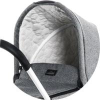 фірмова особливість колясок Moon - капор нахиляється на одну секцію більше, надійно закриваючи дитину від вітру і ультрафіолету
