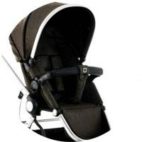 Подножка вместе со спинкой и сиденьем образуют очень комфортное спальное место для малыша